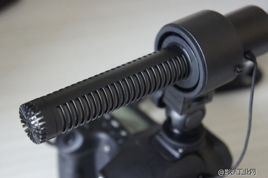 爱图仕超指向电容式麦克风V-MIC D1评测