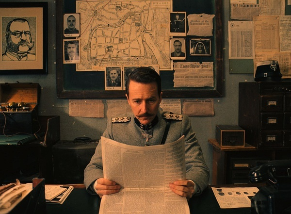 《了不起的狐狸爸爸》《月升王国》导演安德森如何打造风格化复古,怀旧的电影世界