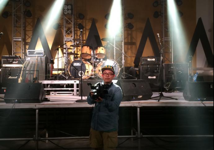 """拍摇滚不止是""""动次打次"""" ——live show摄像师韩昆谈EOS C100,音乐现场的拍摄技巧"""