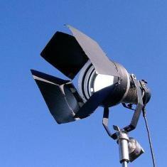 电影及电视照明之色彩校正:第二部分,如何平衡钨丝灯和日光照明