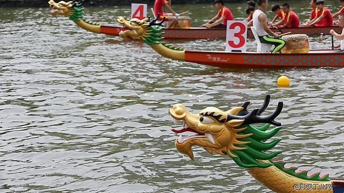 龙舟献瑞 端午祛邪 粽叶飘香 艾草驱毒——航拍上海普陀苏州河龙舟赛