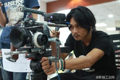 网络剧《高级黑》摄影阐述,4K拍摄也能快速出片。