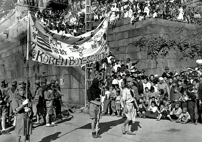珍贵影像,照片展示 1945 年日治结束后的韩国风貌