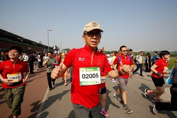 """""""奔跑吧!小能人!"""":佳能跑团欢乐跑中国"""