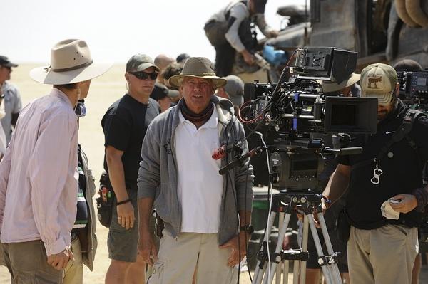 【ASC专栏】《疯狂的麦克斯》拍摄手记—让电影燃起来需要在拍摄上下点手脚
