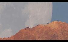 科幻大片!巨型长焦镜头拍摄下的月亮,宛如身处外太空