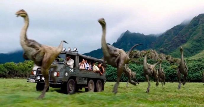 《侏罗纪公园》中,恐龙公园就像现实中的动物园一样存在.