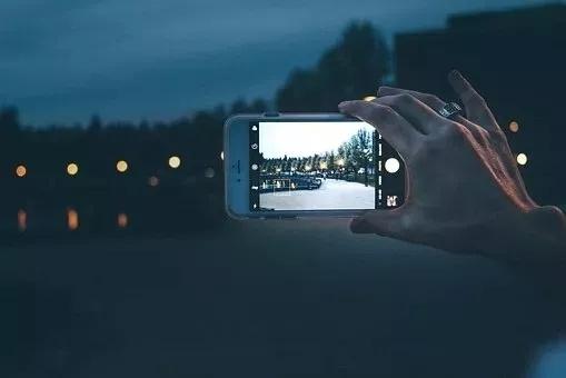 朋友圈点赞收割机,让你的手机秒变单反!