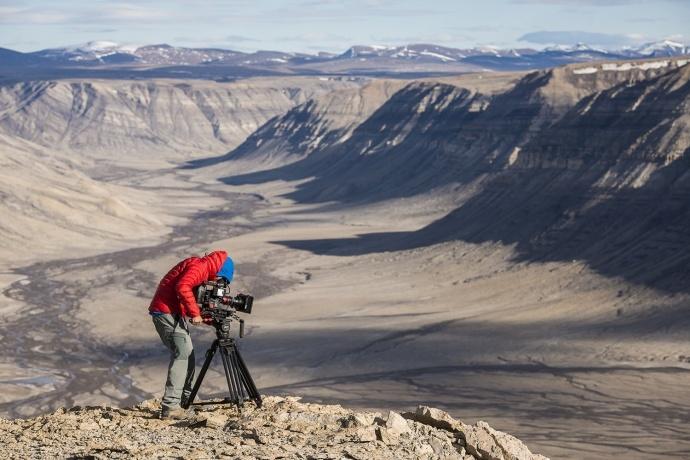 红牛媒体之家发布 RED 摄影机拍摄的新片《夜幕降临之北》