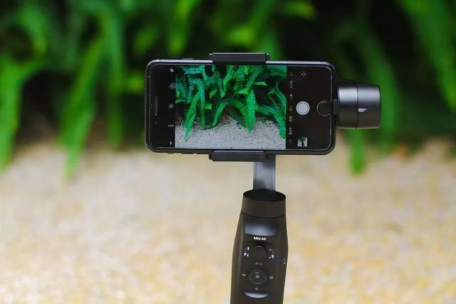 电影感!手机拍摄希区柯克式运动变焦,是时候拿出这个神器了