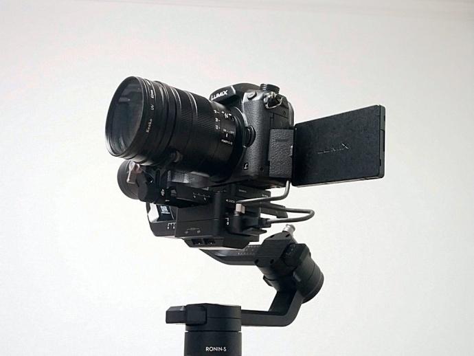 手持单反摄像画面抖动不稳?大疆如影S最新稳定云台了解一下