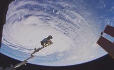 没看错,这是首支来自太空的 8K 视频