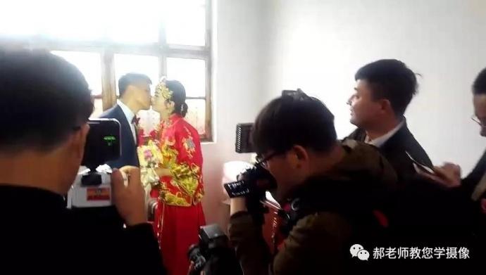 如何做好婚庆摄像师?