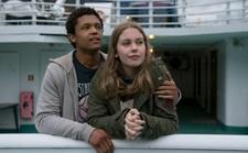 揭秘 Netflix 英剧《无辜恋人》首次尝试 4K HDR 杜比版本的拍摄幕后