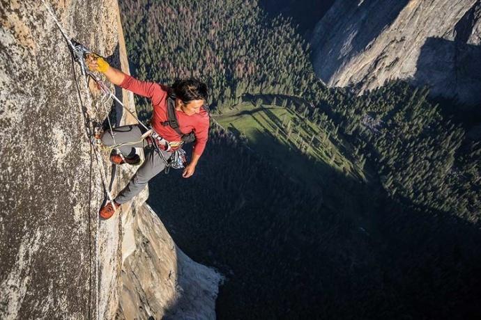 提名奥斯卡最佳纪录长片,《徒手攀岩》用 RED DRAGON 记录不可能