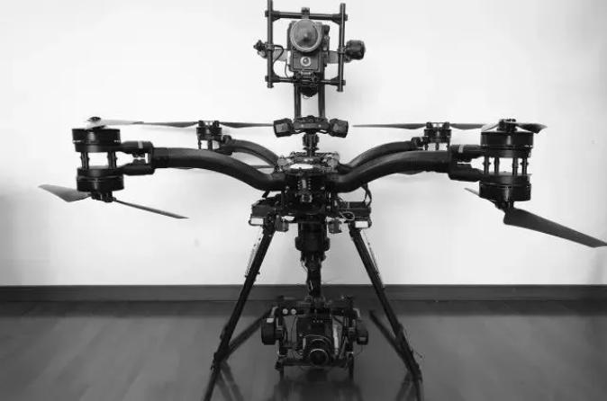 低空高速抓拍,RED 8K 摄影机记录《飞驰人生》真实赛车的疯狂