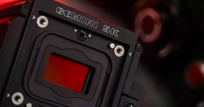 零灯光完成夜拍日,RED GEMINI 是预算低、时间紧、夜戏多剧组的最佳选择