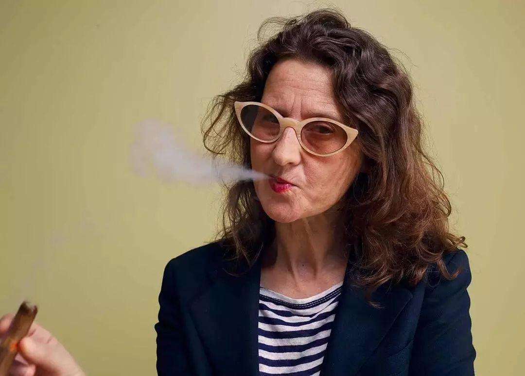 只拍了四部长片,她就当上了今年威尼斯电影节评委主席