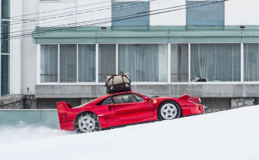 拍法拉利经典超跑F40在雪山上漂移,他为什么选择RED摄影机?