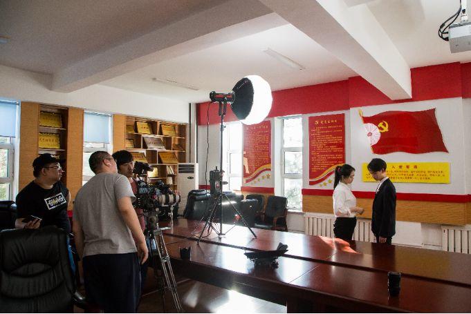 《我和我的祖国》建国70周年献礼MV拍摄,灯光尤为抢眼