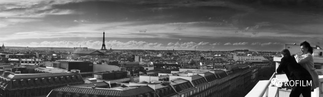 巴黎风情的孔雀炫光